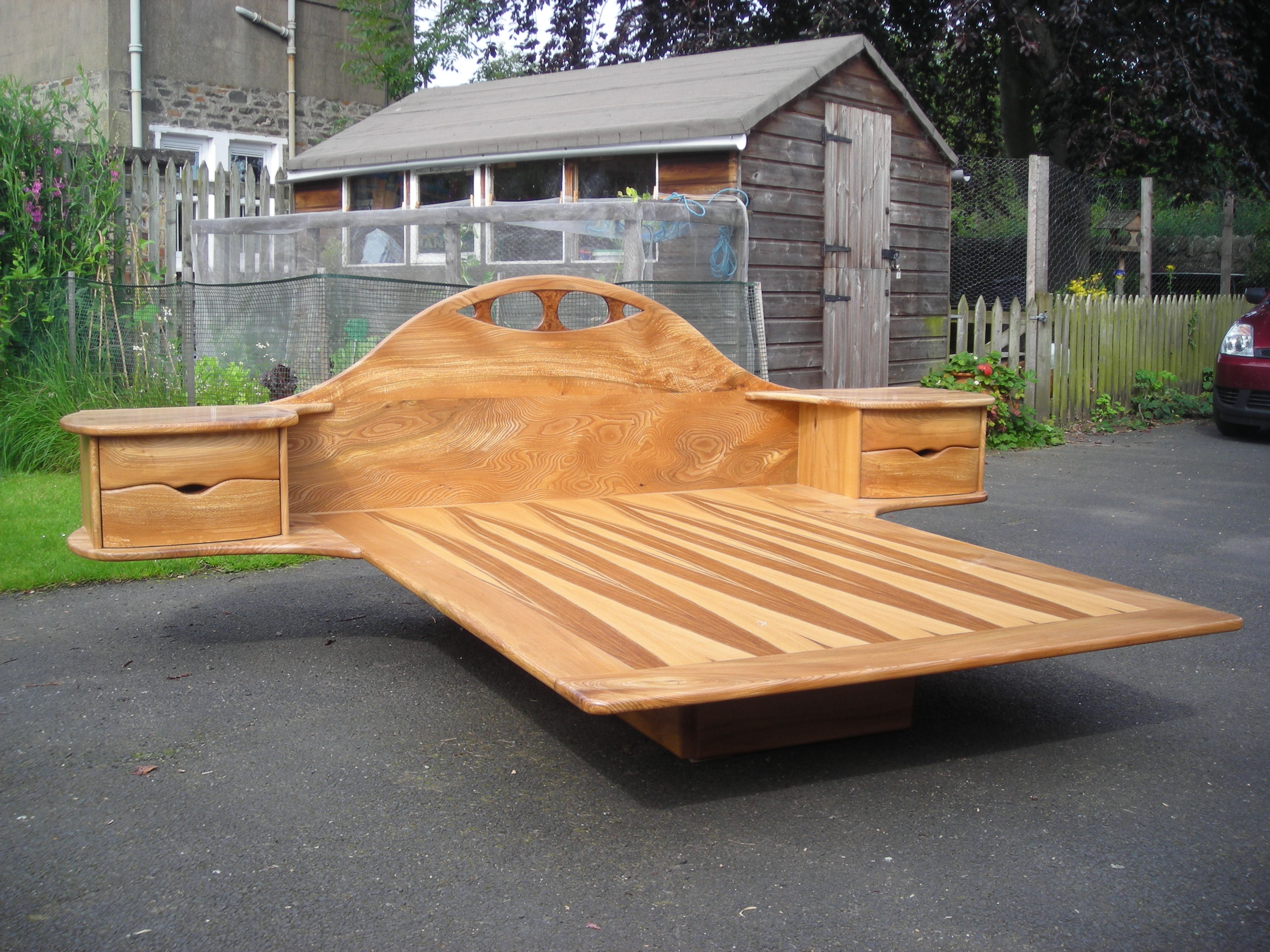 Outdoor floating bed - Floating Bed